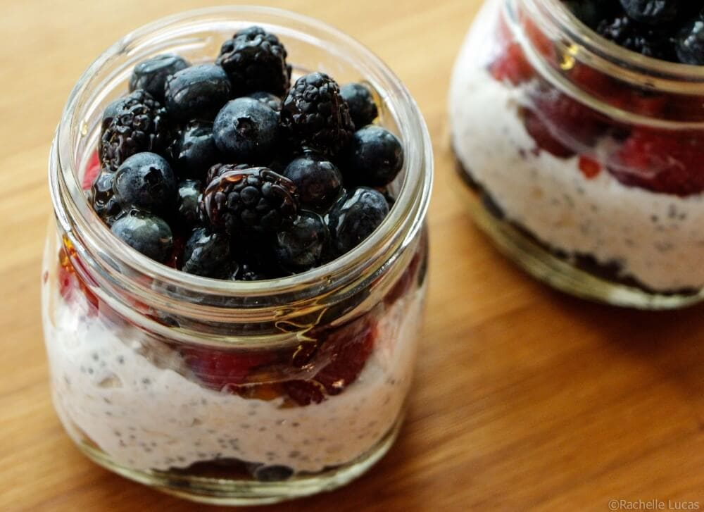 Overnight Oats With Chia And Berries-5
