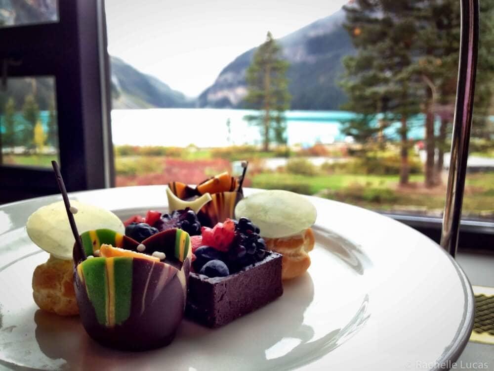 LakeLouise_Alberta_Canada_TheTravelBite-37