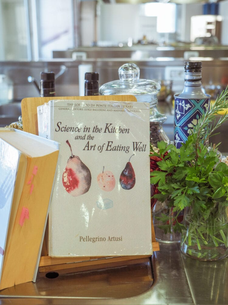 Artusi's cookbook: Science In The Kitchen and the Art Of Eating Well